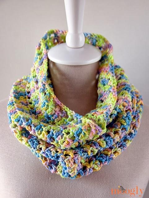 free crochet pattern spring cowl