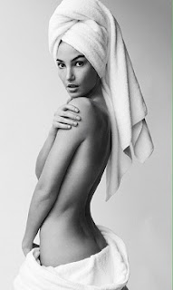 Lily Aldridge topless