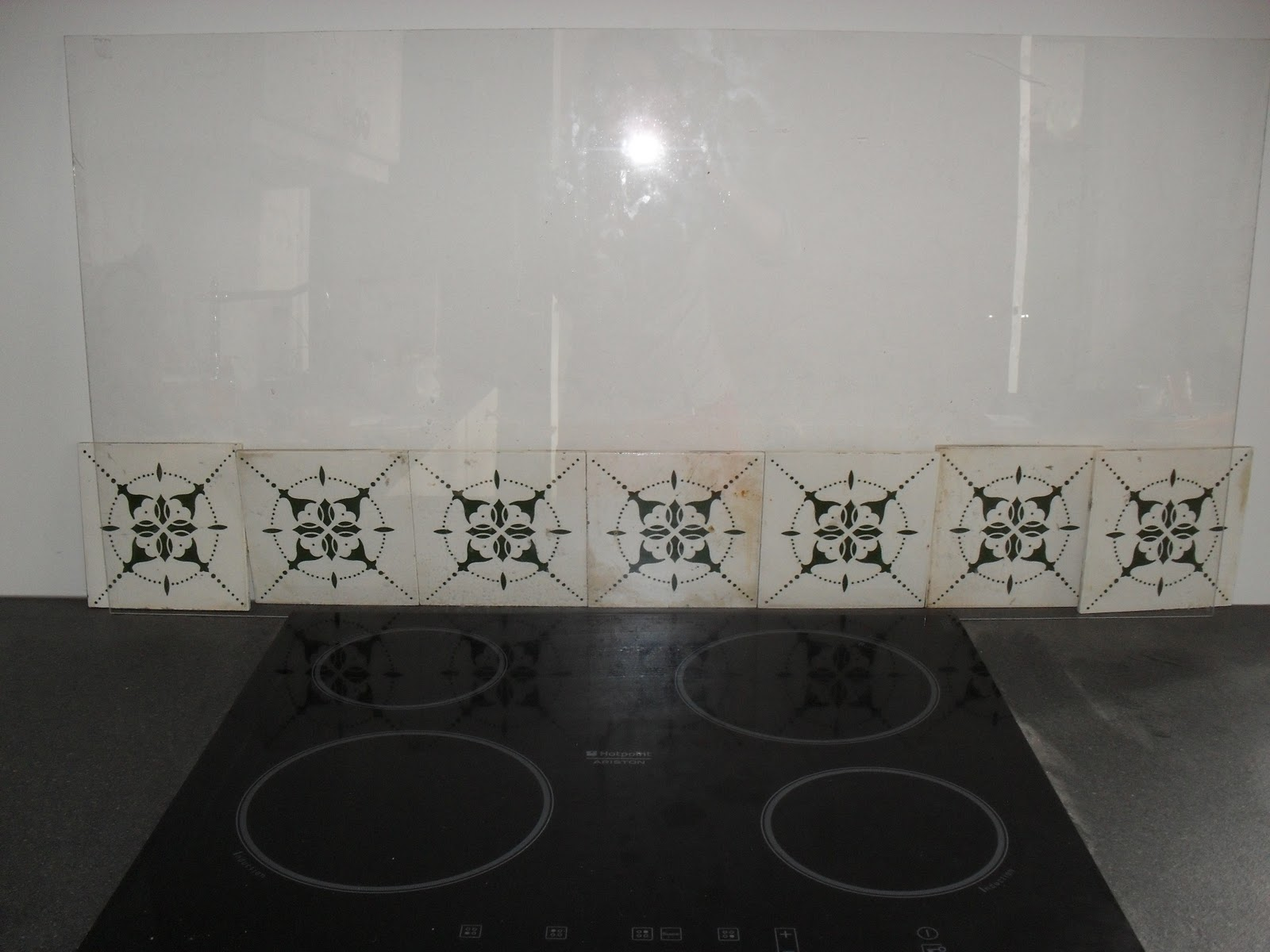 Achterwand Keuken Over Tegels : Keuken achterwand: welke look wil je, en welk materiaal gebruik je?