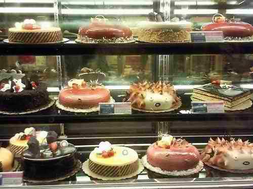Tổng hợp những tiệm bánh ngọt ngon ở Hà Nội, cua hang banh, bakery shop, banh ngot, banh kem tuoi, banh kem lanh, diem an uong ngon
