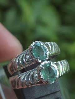 cincin kawin emerald