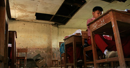 Sekolah Kandang Kerbau Viral di Medsos, Mendagri: Kepala Daerah Harus Lebih Peka