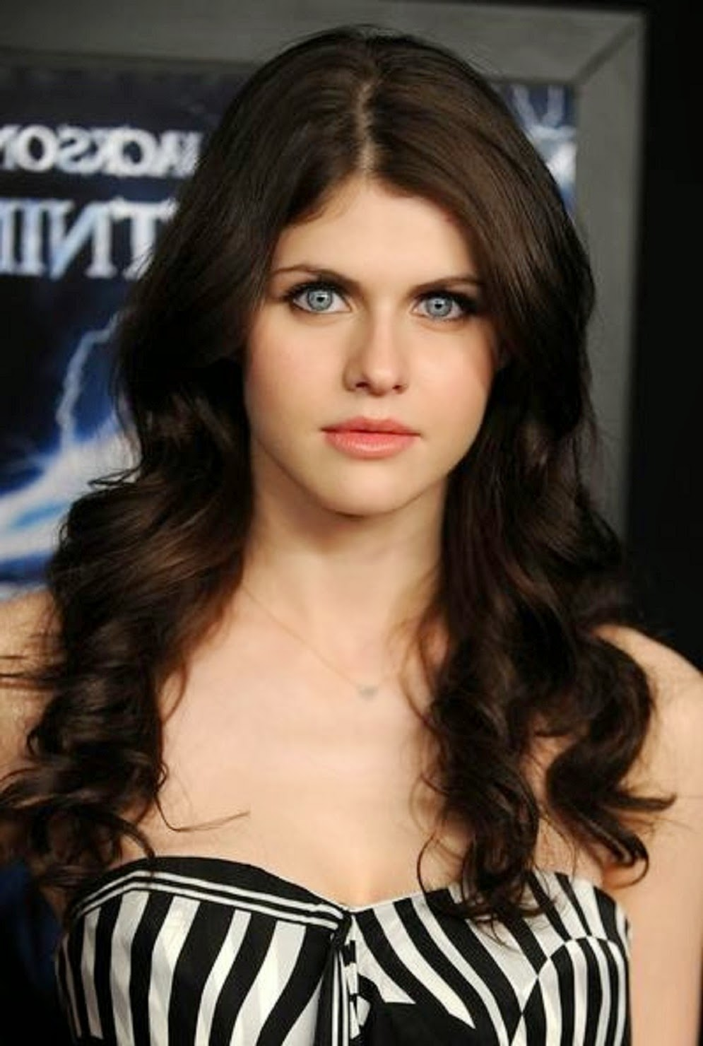 Beautiful Alexandra Daddario Images Hd Wallpaper All 4u