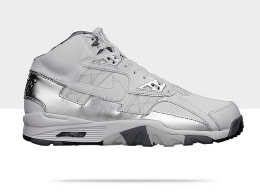 New Nike Bo Jackson Shoes http://thesneakeraddict.blogspot.com/2013/02/nike-air-trainer-sc-high-super-bowl.html