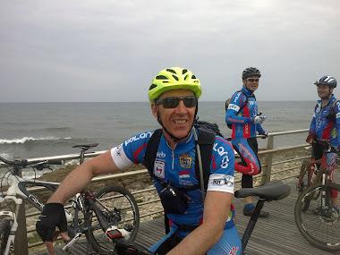 Fotos en la marcha por la costa de Santander. 13/05/2012