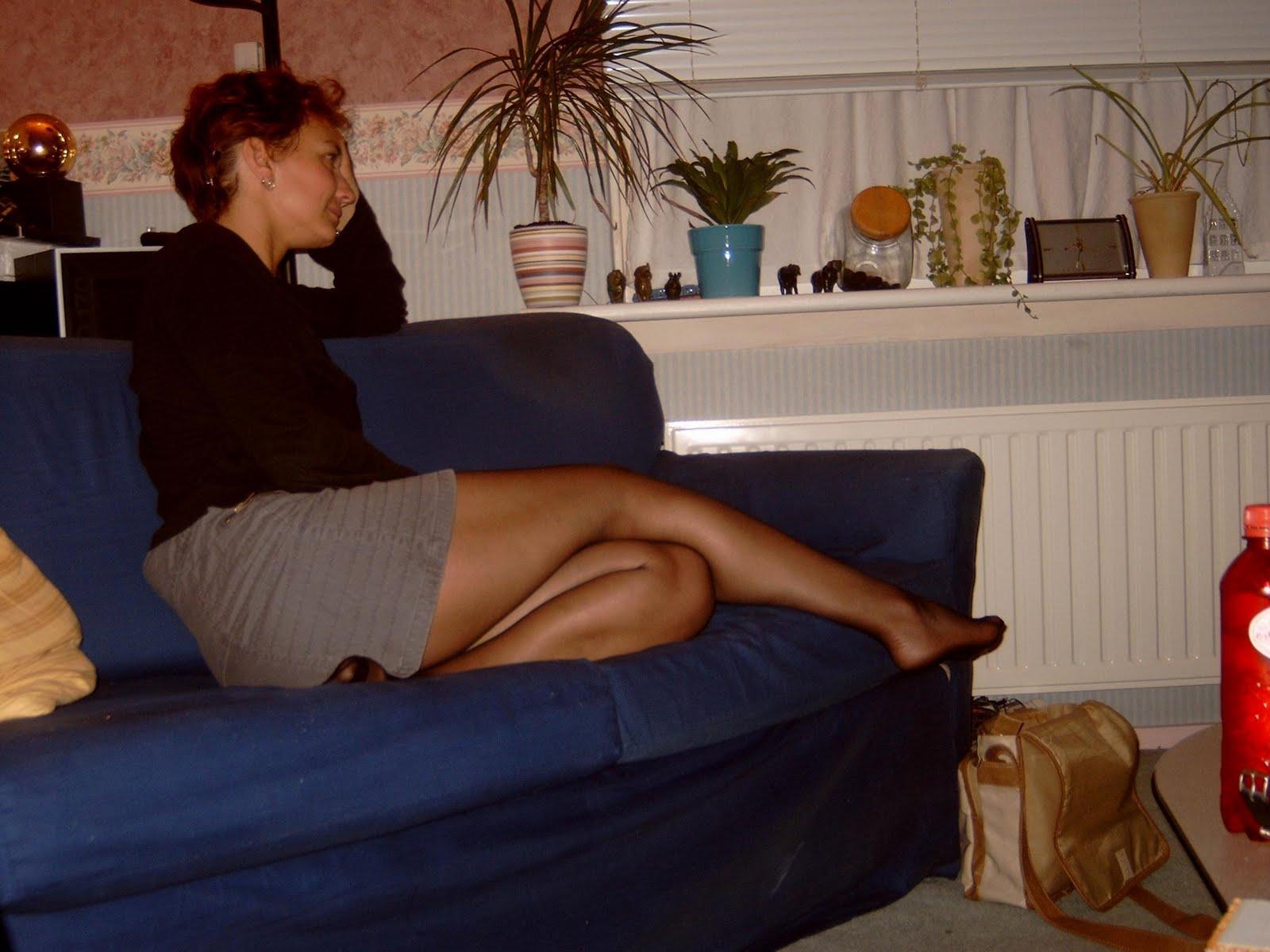 http://1.bp.blogspot.com/-6suSreNbkyM/TmTljdS4kFI/AAAAAAAACek/FIo6Q60SfKw/s1600/mature+wife+in+nylons+feet.jpg