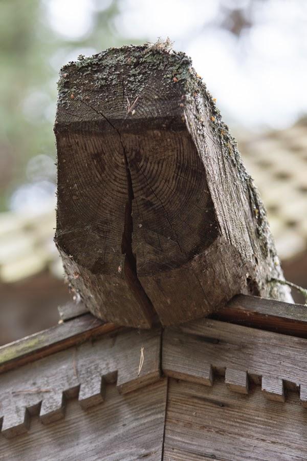 Tsasunan puukoriste yksityiskohta