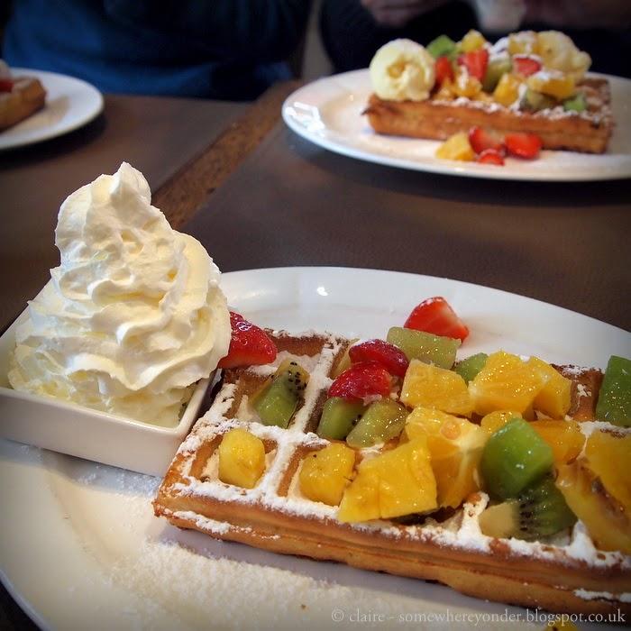 Belgium fruit waffle - Bruges