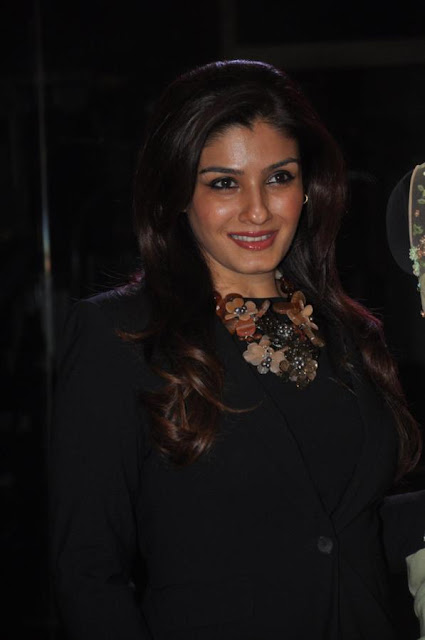 Raveena unveils Sonaakshi Raaj's couture line 'From Eden With Love'