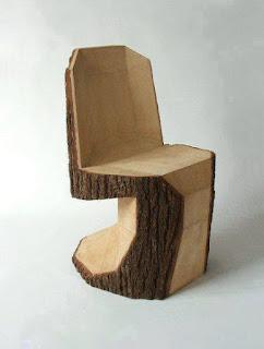 silla construida con tronco de madera