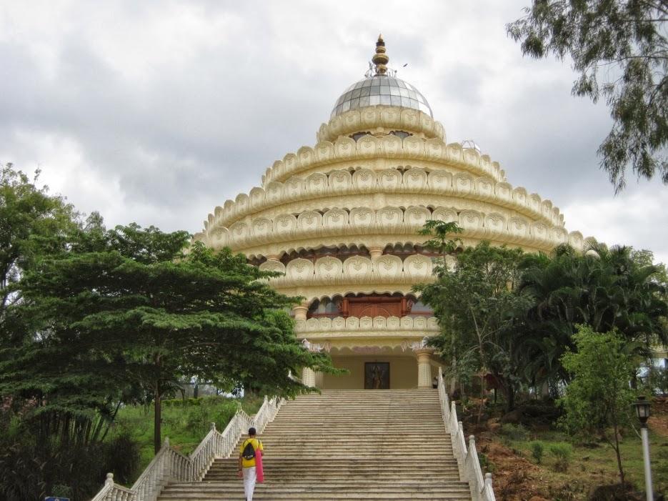ThinkBangalore: Sri RaviShankar Guruji Art of Living