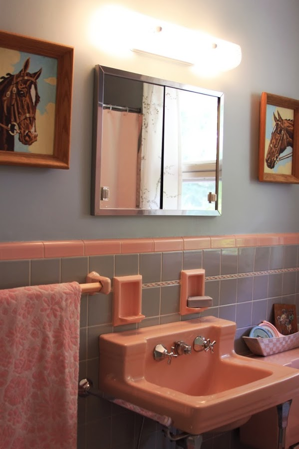 Ranch dressing with eartha kitsch 39 s perfect mid century for Modern ranch bathroom