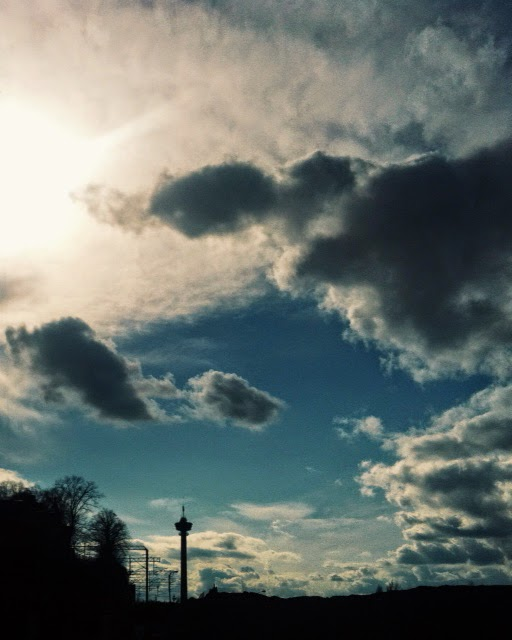 Tampere, näsinneula, pilvi