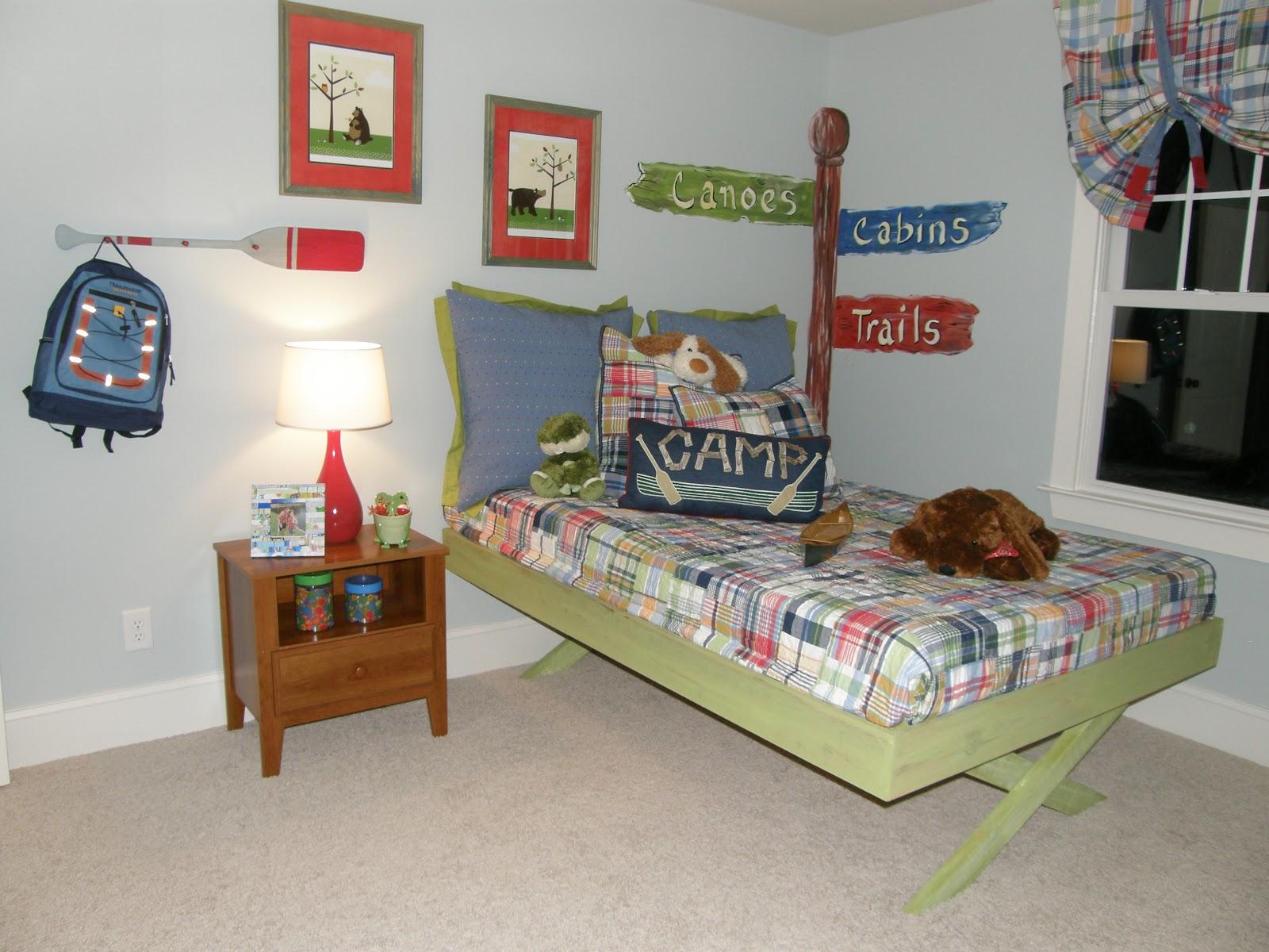 Happy camper room design dazzle for Camping room decor