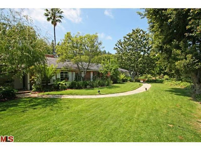 Thumbnail image for The Coolest House on Caravan! 147 Groverton Place – Bel Air