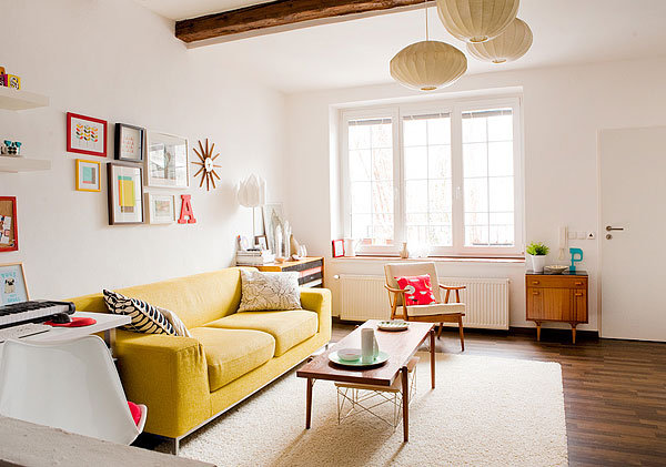 Die-Wohngalerie: Fröhliche Einrichtung in Weiß-Gelb-Rot