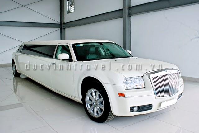 Cho thuê xe VIP Chryler Limosin 3 khoang tại Hà nội