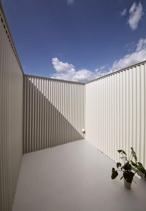 Rumah Minimalis di Lahan 3x21 Meter 4