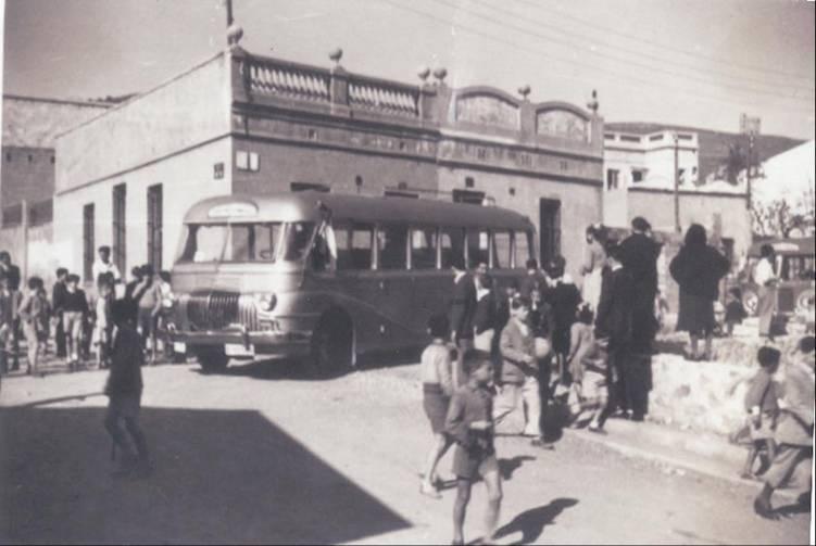 empresa casas que explotaba el servicio de la plaza de ibiza a la avenida del tibidabo fue inaugurada el de diciembre de y se convirti en la lnea