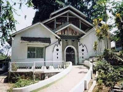 Objek Wisata Makam Cinunuk Wanaraja Garut Jawa Barat