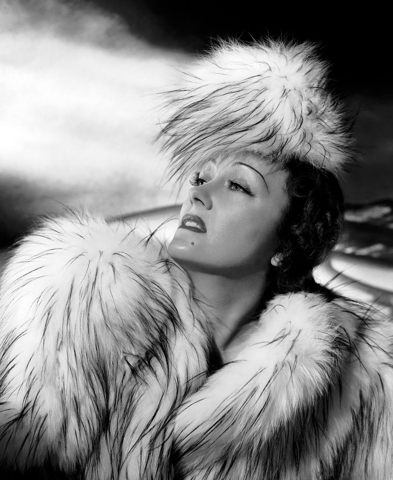 gloria swanson s life During her life, gloria swanson had been married six times,  swanson's husband, was a favorite book of john lennon's apparently, he'd hand out copies of the book.