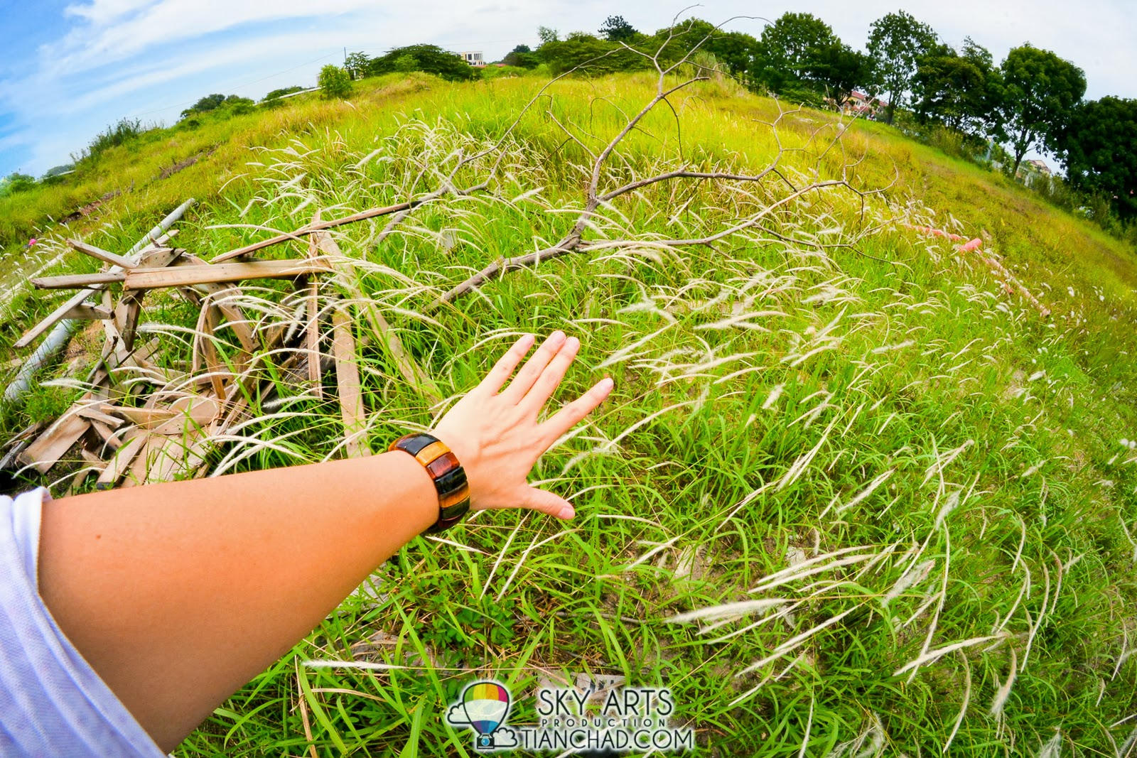 Samsung Galaxy Note 3 Gear Launch In Malaysia Rm2399 Rm999 Kopi Bos By Ila Arifin Amr Spotted A Place With Nice Grasses