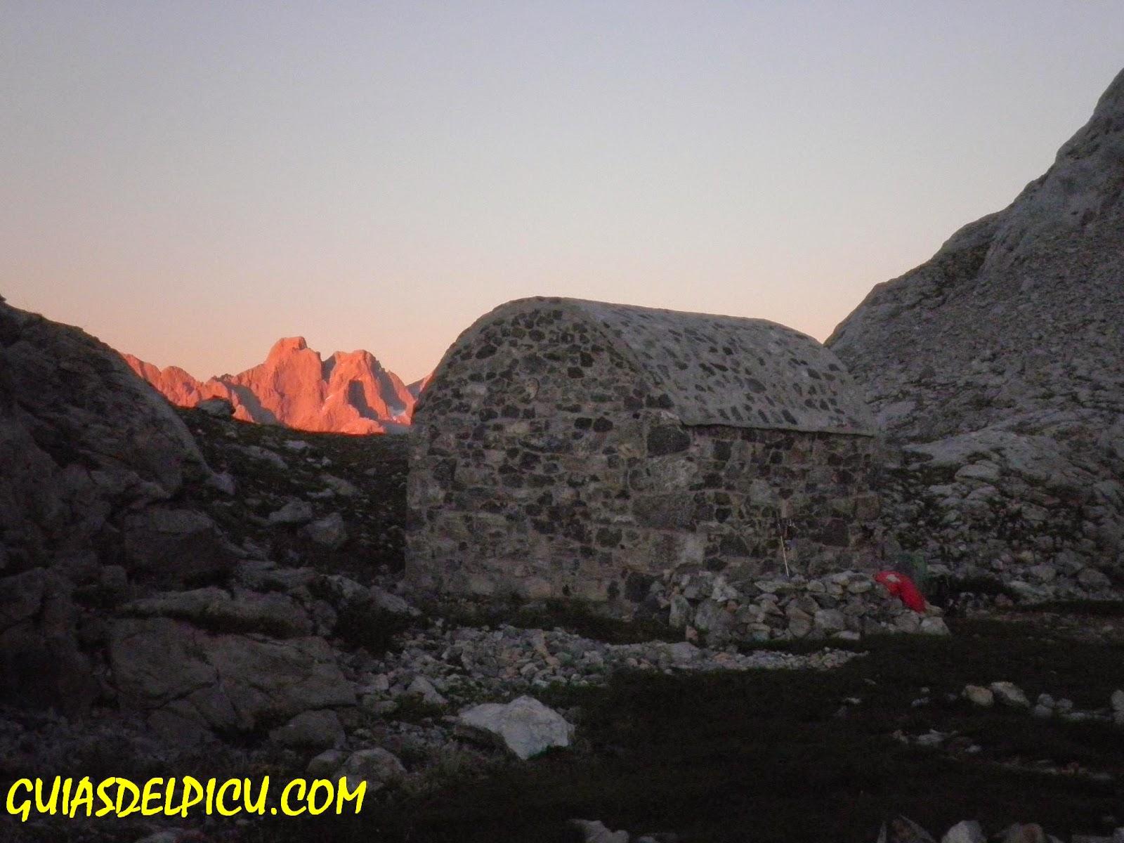 Guiasdelpicu.com , Fernando Calvo gonzalez Guia de alta montaña , escaladas al naranjo y Peñasanta