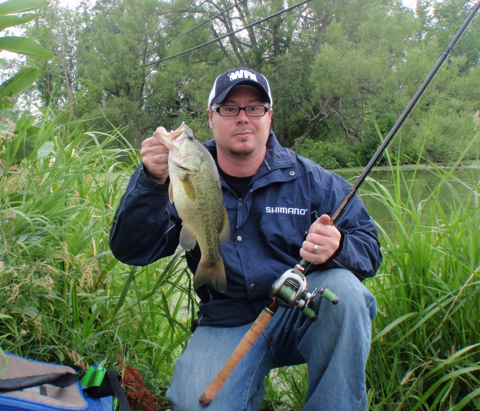 Bass junkies fishing addiction 2011 bass season comes to for Bass fishing season