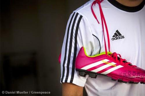 Greenpeace: 33 Merchandise Piala Dunia Mengandung Toksik