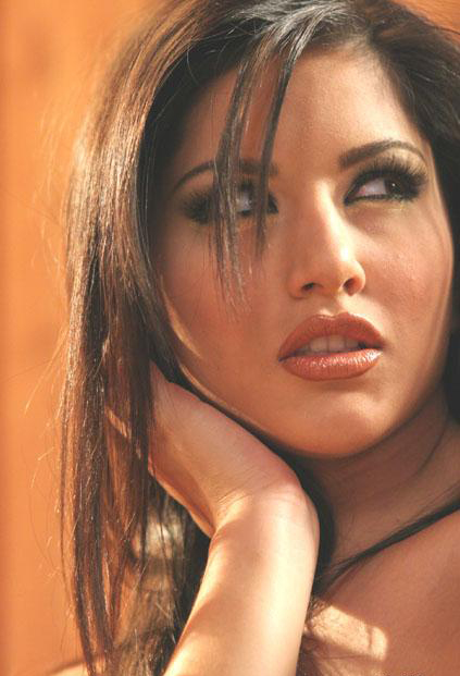 Sunny Leone Spicy Close-up picture