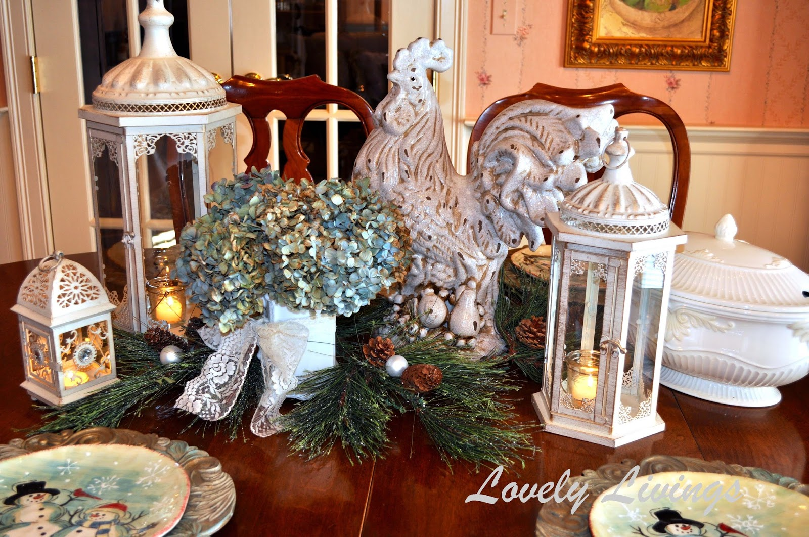 Christmas kitchen decor - Thoughts From Alice It S Beginning To Look A Lot Like Christmas In July Three Styles To Inspire