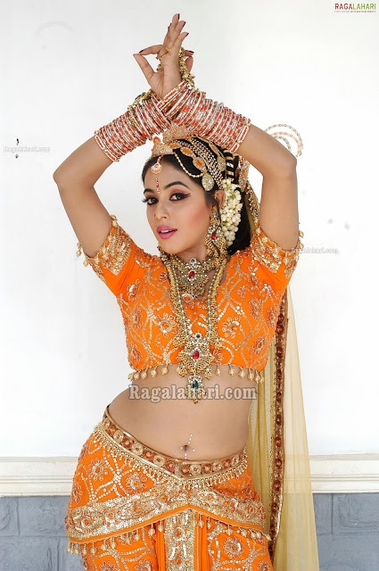 Actress Poorna Hot Navel