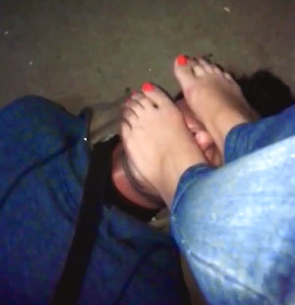 """Jordanian Mistress """"Sara"""" Feet Worship"""