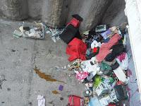 Durmiendo en la basura