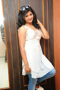 Shweta glam photos stills-thumbnail-5