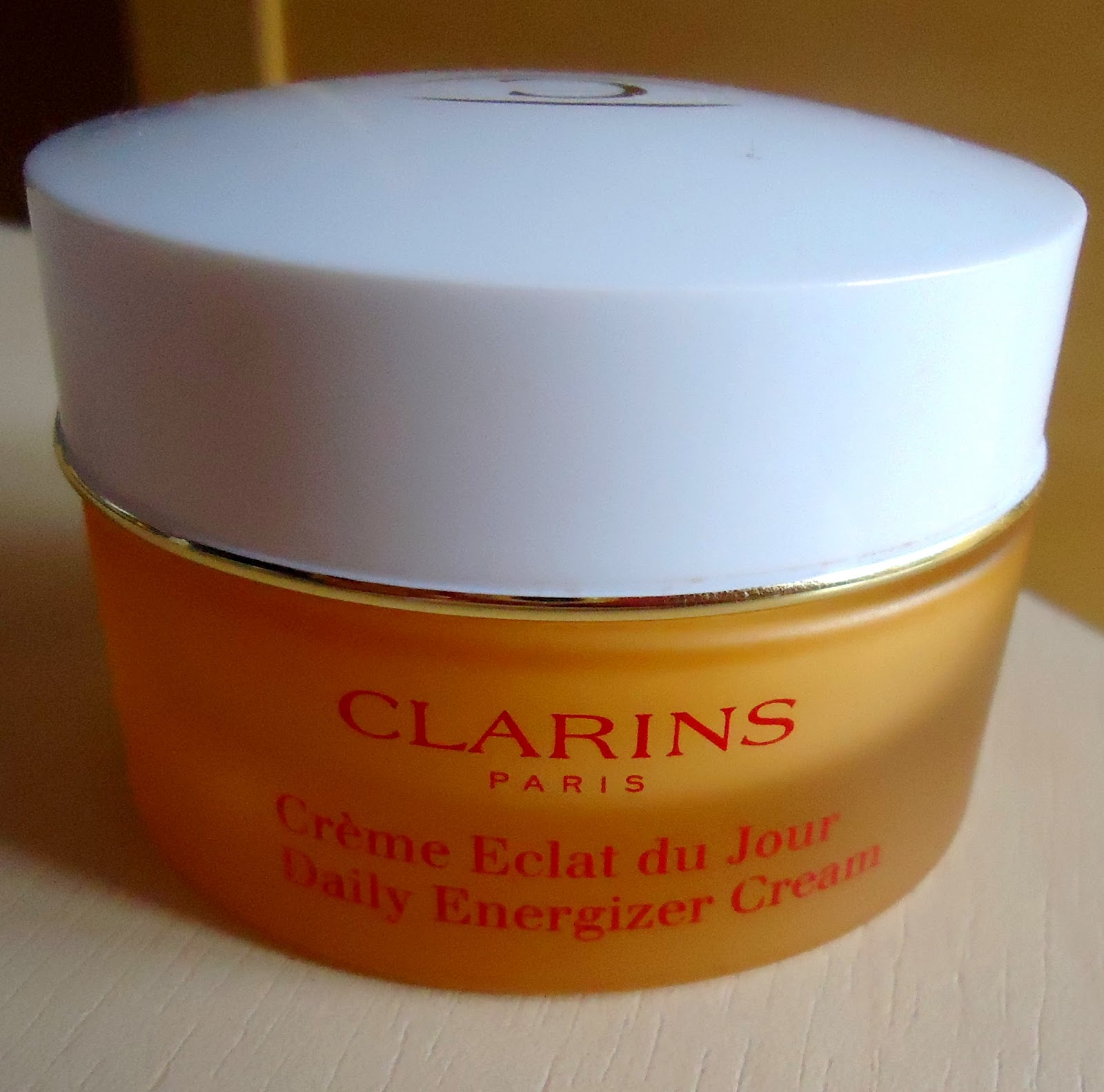 my beauty moment review cr me clat du jour clarins. Black Bedroom Furniture Sets. Home Design Ideas