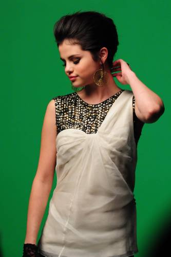 selena gomez naturally wallpaper. hairstyles selena gomez