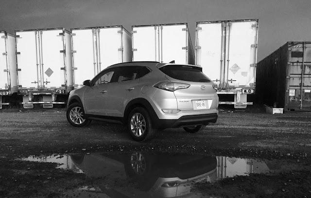 2016 Hyundai Tucson rear