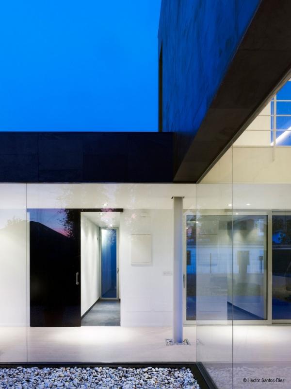 Casa moderna en espa a todo sobre fachadas for Casas modernas en madrid
