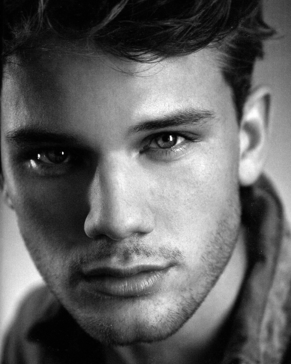 my new plaid pants: Jeremy Irvine Wishes You...