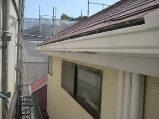 川崎市 高津区 雨樋 施工後 新規 軒樋 樋吊り 金具 設置