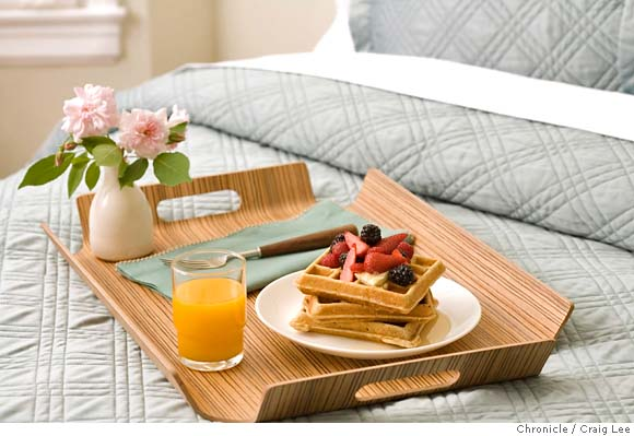 Opositando a pez breakfast at bed for Bed and breakfast plans and designs