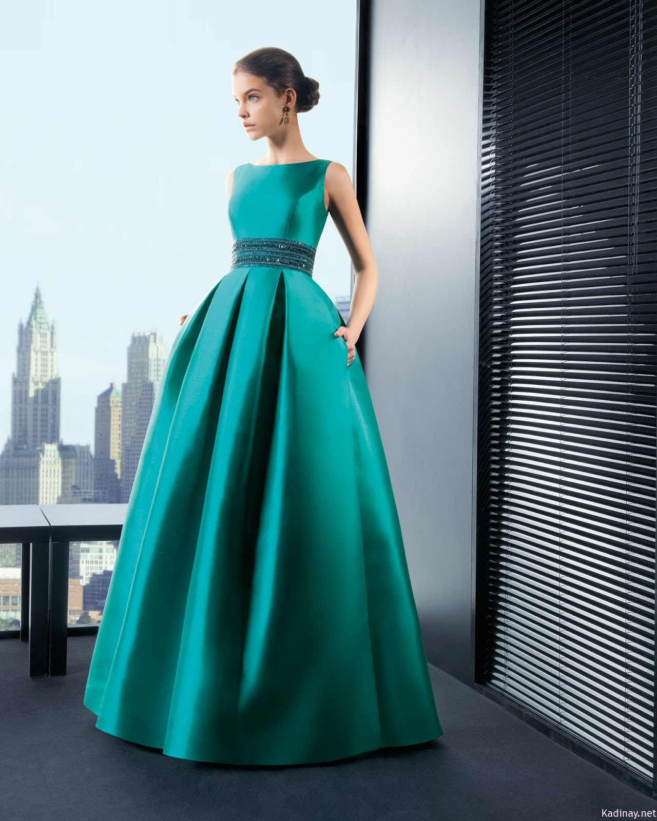 Вечернего платья из атласа