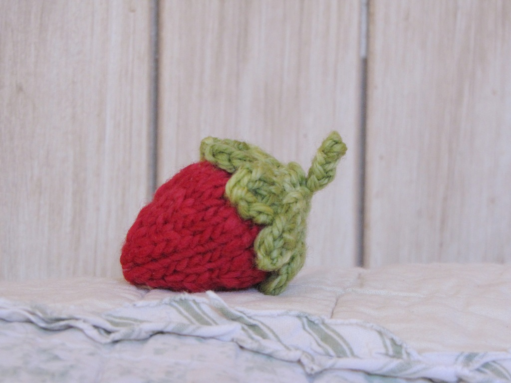 Strawberry Knitting Pattern and Yarn Along - Natural Suburbia