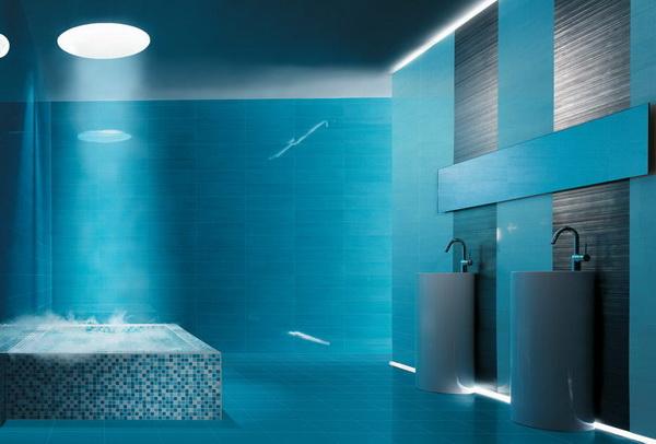 Contoh penerapan dekorasi kamar mandi yang didominasi warna biru