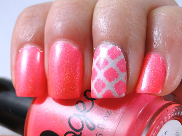 Quatrefoil Nail Art