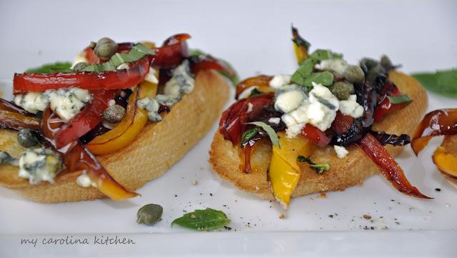Bruschetta+with+peppers+%2526+gorgonzola+627