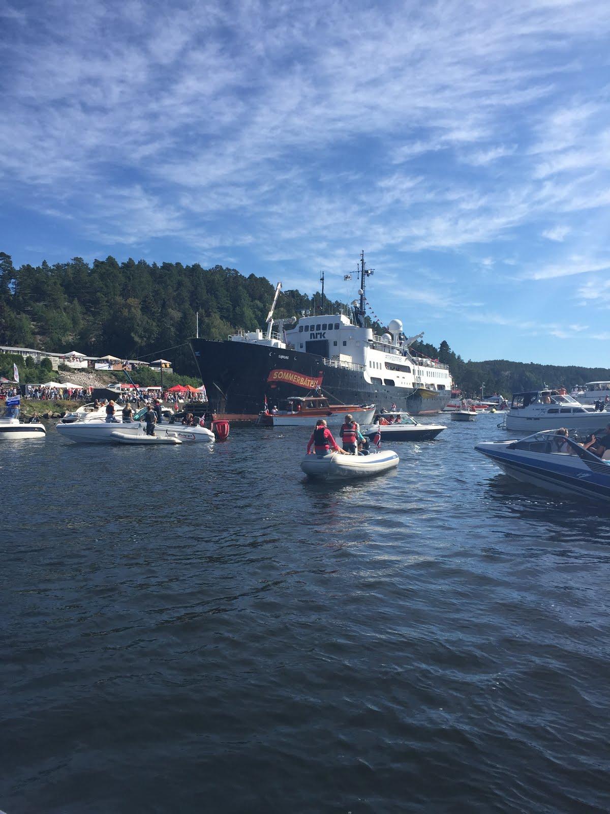 Sommerbåten til NRK i Høysand 12.08.2015