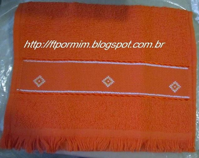 toalhinhas bordadas com ponto cruz