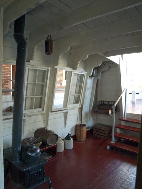Interior de un barco en el Erie Canal Museum de Syracuse